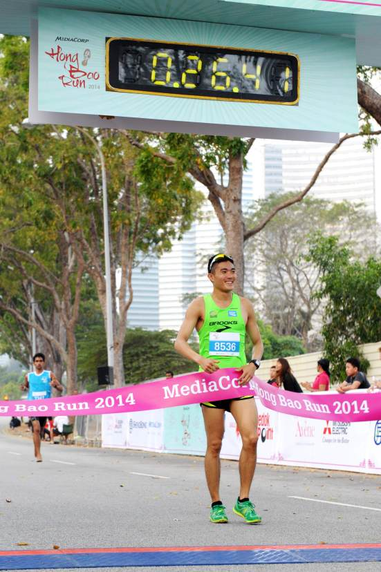 SEA Games Gold Medallist Mok wins inaugural MediaCorp Hong Bao Run 2014