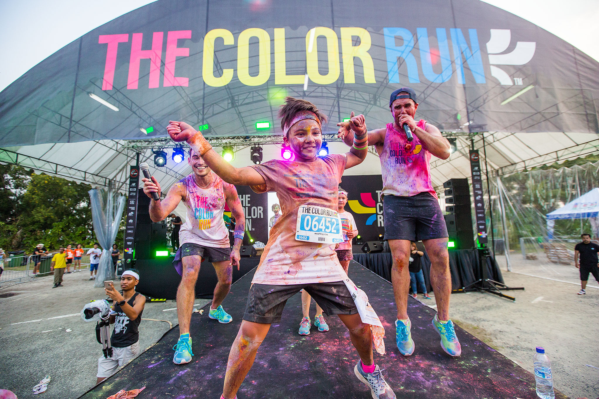 Press release the color run 2015 brings joy and fun to singapore the color run singapore 20152 publicscrutiny Images